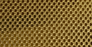 Mesh for open floors for Beehives